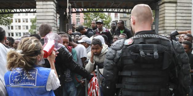 Près de 1400 migrants évacués dans le Xe arrondissement de Paris