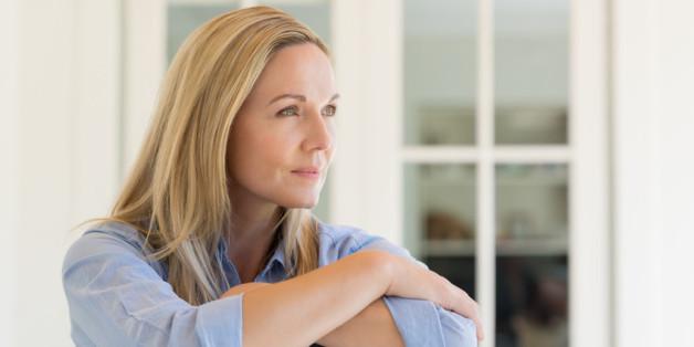 Die ersten Anzeichen von Alzheimer kennen die wenigsten Menschen.