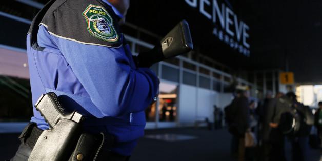 Eine Frau hat im Genfer Flughafen einen falschen Bombenalarm ausgelöst - jetzt muss sie dafür bezahlen.