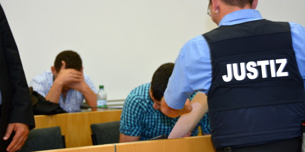 Am Landgericht in Hanau wird einem 22-jährigen Syrer der Prozess gemacht, der seine Schwester erstochen hat