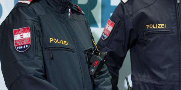 In Linz kam es zu Massenschlägereien zwischen rechten Hooligans und minderjährigen Flüchtlingen.