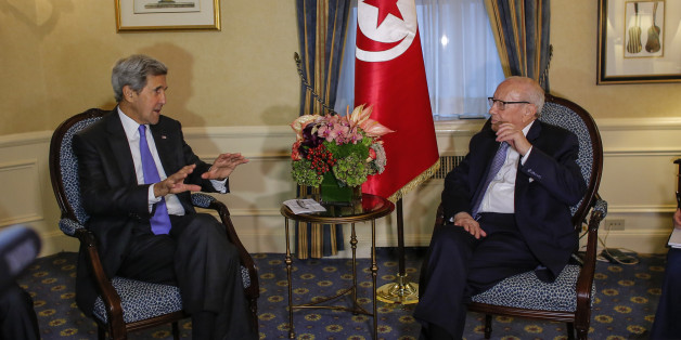 US Secretary of State John Kerry (L) meets with Tunisian President Beji Caid Essebsi in New York on September 19, 2016. Secretary of State John Kerry said Monday the ceasefire in Syria is holding and some aid is getting through but that US and Russian officials are meeting to see if it can continue. 'The basic ceasefire is holding but fragile,' Kerry told reporters in New York between bilateral meetings on the sidelines of the United Nations General Assembly. / AFP / KENA BETANCUR        (Photo