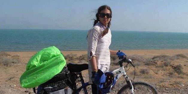 Cette sportive iranienne ne veut pour rien au monde qu'on lui interdise de faire du vélo.