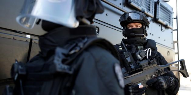 Des policiers de la BRI à Paris en mai 2016.