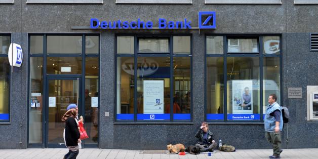 Die Verbraucherzentrale mahnt sechs Bank wegen zu hoher Kosten beim Basiskonto ab