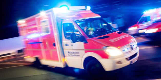 Ein Krankenwagen des Roten Kreuzes