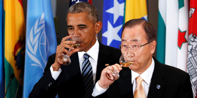 U.S. President Barack Obama and UN Secretary General Ban Ki-moon share a toast at a luncheon during the United Nations General Assembly at United Nations headquarters in New York City, U.S. September 20, 2016.  REUTERS/Lucas Jackson