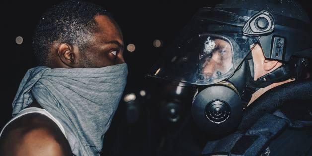 Cette photo des émeutes à Charlotte illustre parfaitement la situation