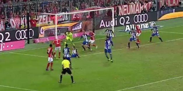 Triple crochet dans la surface, Franck Ribéry inscrit l'un des plus beaux buts de la saison