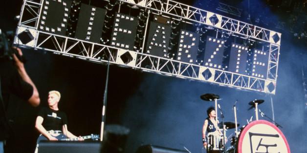 Die Ärzte bei einem Konzert 1988. Bassist Liebing ist auf diesem Foto nicht abgebildet