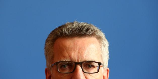 Bundesinnenminister Thomas de Maizière unter Druck: Pro Asyl sieht politische Motive hinter schwankender Asyl-Anerkennung