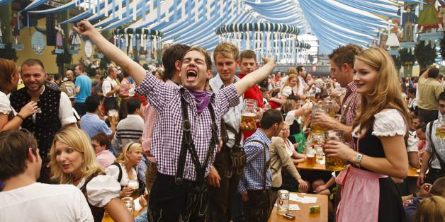 Eine Szene auf dem Oktoberfest in München