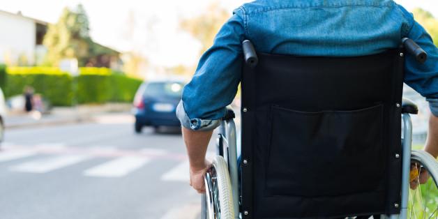 Mann saß 43 Jahre unnötigerweise im Rollstuhl - wegen eines fatalen Fehlers der Ärzte