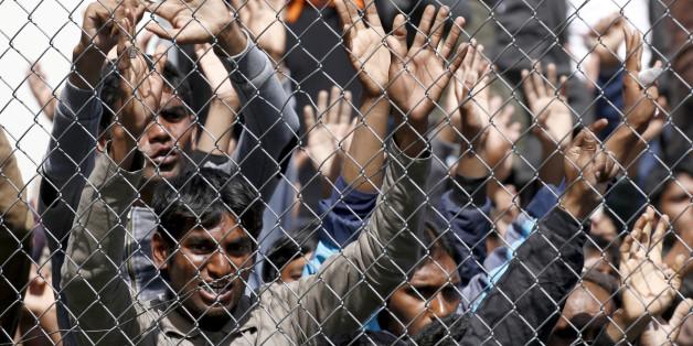 Flüchtlinge im Registrierungszentrum Moria auf der griechischen Insel Lesbos
