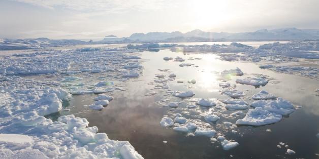 Tiniteqilaaq and sea ice in winter, E. Greenland