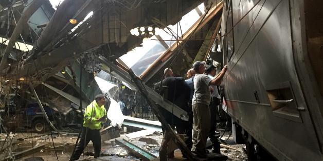 Der Bahnhof in Hoboken ist schwer beschädigt