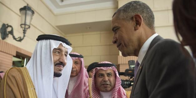 RIYAD, SAUDI ARABIA - APRIL 20:  US President Barack Obama (R) shakes hands with Saudi King Salman bin Abdulaziz Al Saud at Erga Palace in Riyadh, on April 20, 2016. During his two-day visit, Obama is to attend a Gulf summit. (Photo by Pool / Bandar Algaloud/Anadolu Agency/Getty Images)