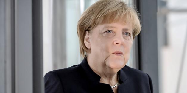 Bundeskanzlerin Angela Merkel streitet einen Kurswechsel in ihrer Flüchtlingspolitik ab