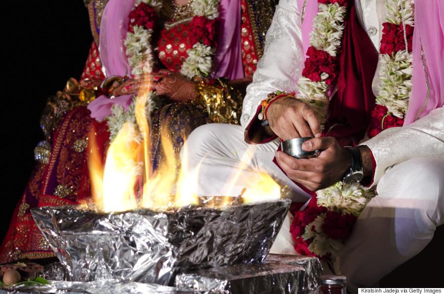 dc9ff9587e9d Από την Ινδία μέχρι την Τυνησία  Τα έθιμα του γάμου σε 12 χώρες του ...