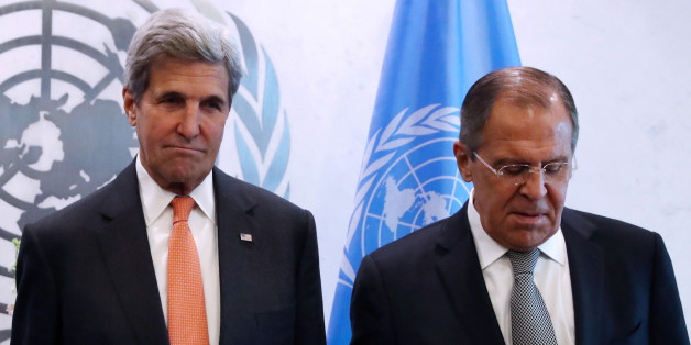 (L-R) U.S. Secretary of State John Kerry and Russian Foreign Minister Sergey Lavrov pose for a photo before a Middle East Quartet Principals Meeting during 71st Session of the United Nations General Assembly in Manhattan, New York, U.S., September 23, 2016. REUTERS/Andrew Kelly     TPX IMAGES OF THE DAY