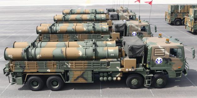 2013년 국군의 날 기념식에 공개된 육군의 지대지 탄도미사일 '현무 Ⅲ'
