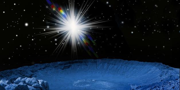 Eine Supernova (verglühender Stern) über dem Meteoriten Krater von Arizona