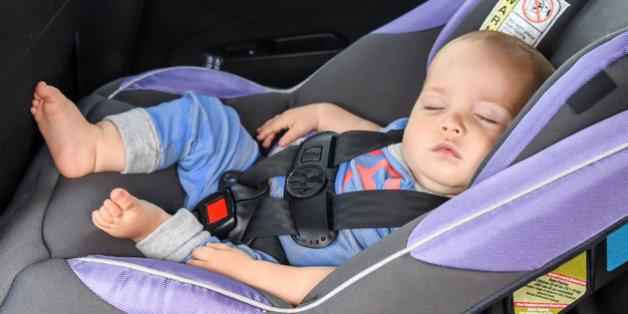Auto-Kindersitze bergen ein hohes Risiko für Neugeborene.