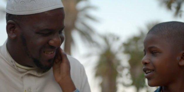 """""""Into Darkness"""", le quotidien bouleversant d'une famille d'aveugles marocains"""