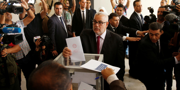 Abdelillah Benkirane, secretary-general of the Islamist Justice and Development party (PJD), casts his ballot at a polling station in Rabat October 7, 2016. REUTERS/Youssef Boudlal     TPX IMAGES OF THE DAY