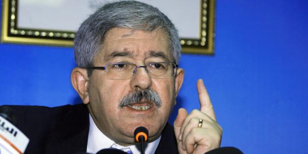 Ahmed Ouyahia,durant sa conférence de presse au siège du RND à Alger, le 8 Octobre 2016