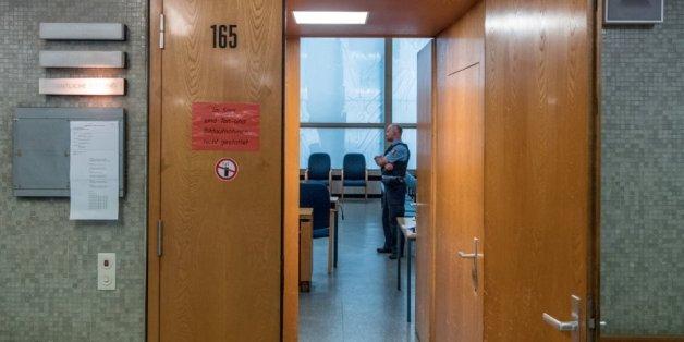 Mordprozess: Verwandte sollen Frau stundenlang gequält haben - um ihr den Teufel auszutreiben