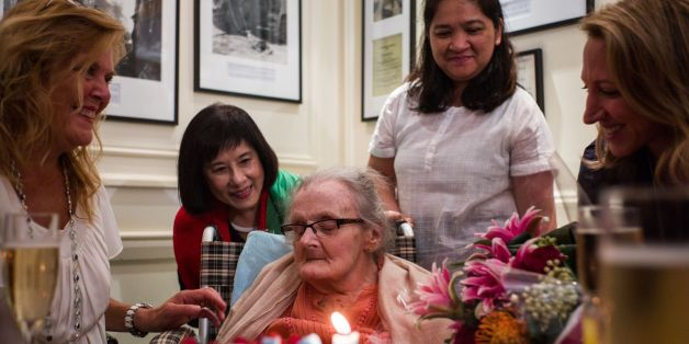 Veteran British war correspondent Clare Hollingworth (C) attends a celebration to mark her 105th birthday at the Foreign Correspondent's Club (FCC) in Hong Kong on October 10, 2016. Hollingworth, who broke the story in 1939 of Germany's invasion of Poland, turned 105 in Hong Kong on October 10. / AFP / Anthony WALLACE        (Photo credit should read ANTHONY WALLACE/AFP/Getty Images)