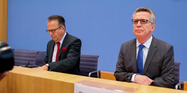 Bundesinnenminister Thomas de Maizière gab in Berlin bekannt, dass die Zahl der Asylanträge weiter stark zurück geht.