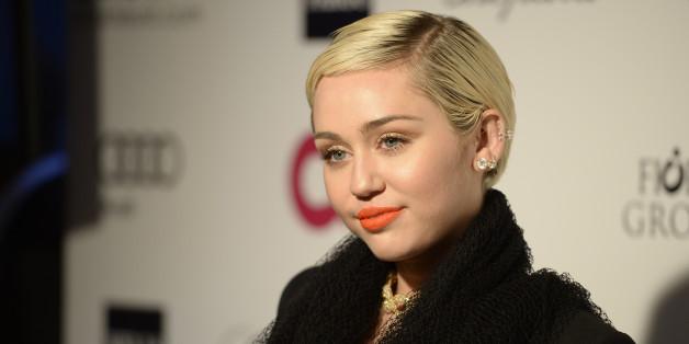 Miley Cyrus kann sich mit Menschen identifizieren, die sich weder männlich oder weiblich fühlen