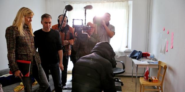 Einer der drei Syrer bei einem TV-Interview