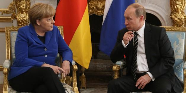"""Angelar Merkel und Wladimir Putin beim letzten Treffen im """"Normandie-Format"""" im Oktober 2015"""