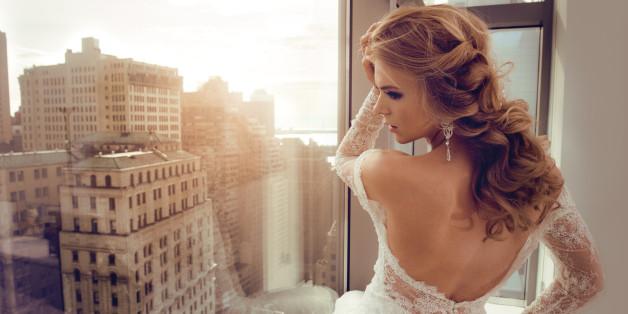 Eine halboffene Brautfrisur bietet zahlreiche Möglichkeiten