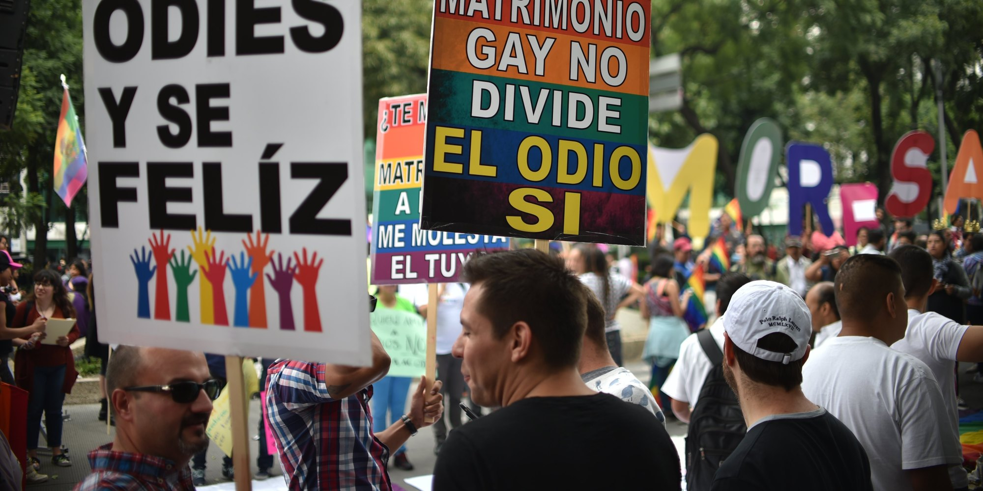 marriage in mexico Mexico city - tens of thousands of people marched through mexico city on saturday in opposition to president enrique pena nieto's push to legalize same-sex marriage.