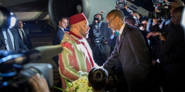 Mohammed VI accueilli par Paul Kagame à Kigali, Rwanda, 18 octobre 2016