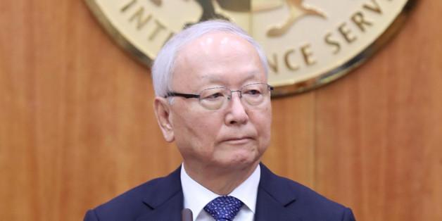이병호 국가정보원장이 19일 오전 서울 내곡동 국가정보원 청사에서 열린 국회 정보위의 국정원에 대한 국정감사에 출석하고 있다.