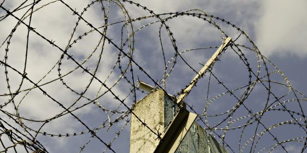 Schwerte: Unternehmer baut Grenzzaun gegen Flüchtlinge
