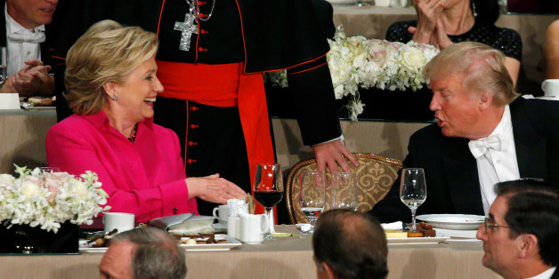 Die Präsidentschaftskandidaten Trump und Clinton trafen sich bei einem Gala-Dinner