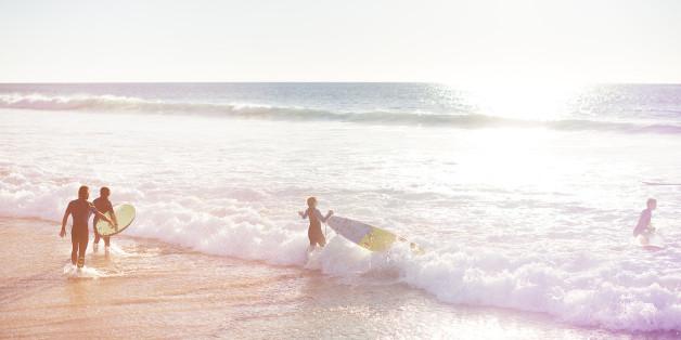 Auf Fuerteventura kann man auch im Herbst surfen