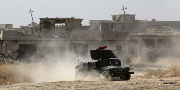 Die irakische Armee und kurdische Peschmerga-Kämpfe rücken weiter auf Mossul vor.