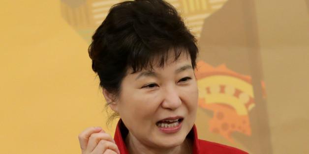 박근혜 대통령이 25일 청와대에서 열린 한·아프리카 장관급 경제협력회의 환영 만찬에서 인사말을 하고 있다.
