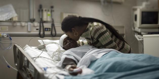 Nach einer Hirnschädigung ist ein 16-jähriger US-Amerikaner aus dem Koma plötzlich mit Spanisch-Kenntnissen aufgewacht.
