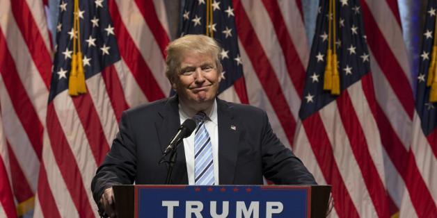 Présidentielle américaine: L'écart entre Clinton et Trump diminue à 2%