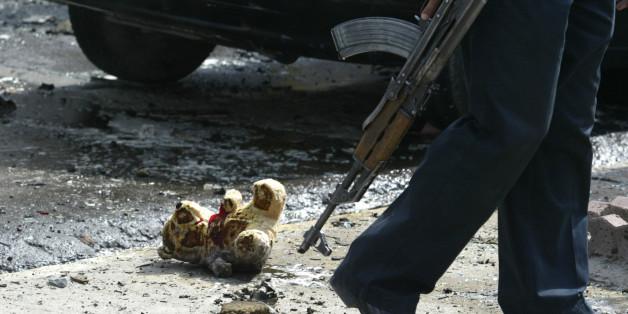 Mit Bomben versehene Teddybären und Plüschhasen sollen gezielt Kinder töten