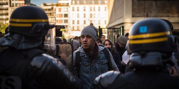Das wilde Flüchtlingslager an der Metrostation Stalingrad in Paris soll geräumt werden