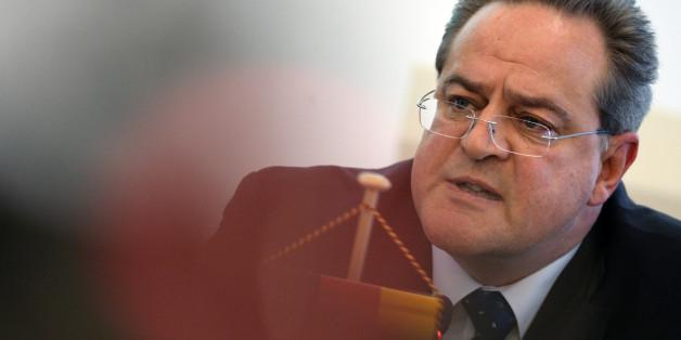 In der Silversternacht von Köln mussten Beamte Verdächtige wieder laufen lassen, sagt Bundespolizeipräsident Dieter Romann